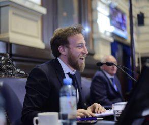 """Otermín: """"la Ley de Asociaciones Civiles viene a saldar una deuda histórica"""""""