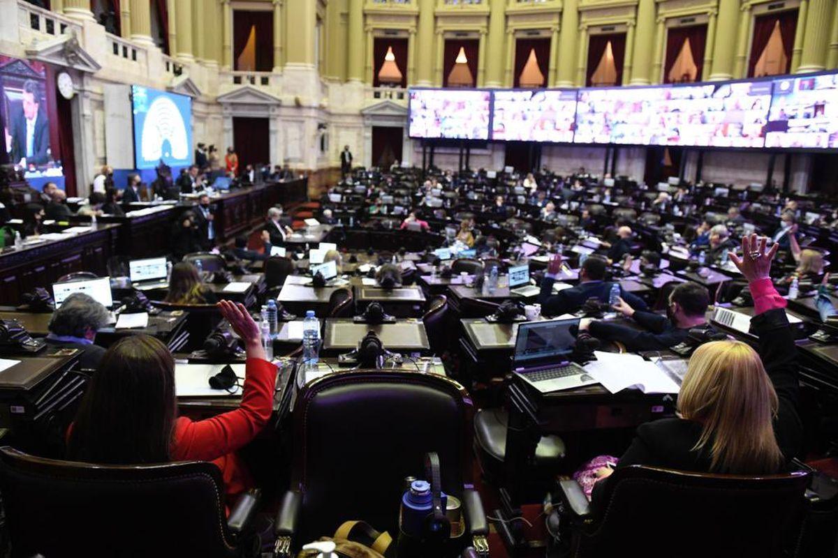 Con votos del oficialismo y parte de la oposición, se aprobó en Diputados el Presupuesto 2021