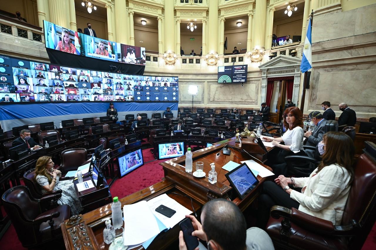 El oficialismo analiza cambios al proyecto de aborto legal