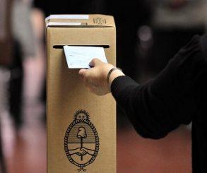 Critican la elección de ciudadanos ya vacunados como autoridades de mesa para las PASO
