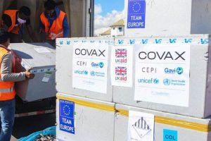 Polémica por las vacunas ahora con el fondo COVAX