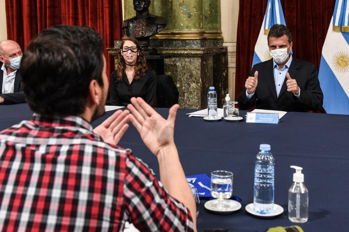 massa con la conferacion argentina de sordos ley de lengua de senas