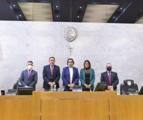 La Legislatura de Tucumán otorgó una licencia a Manzur