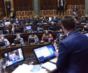 Los legisladores porteños volvieron a sesionar presencialmente y lo celebraron en las redes
