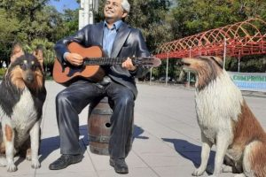 Neme repudió la instalación de la estatua del presidente y sus perros en Formosa